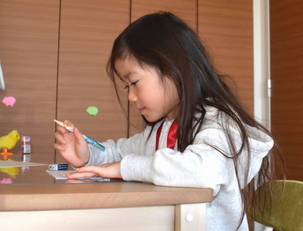 今の保育園は幼稚園と同じ水準の教育も行っている