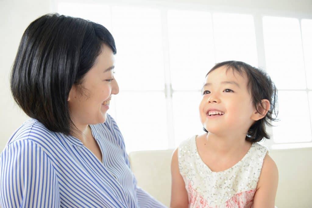 子育て支援員は育児経験者も多く、自治体の研修を受けている