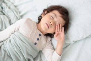 子供の寝かしつけにおすすめな方法 上手に寝かせるコツとは?