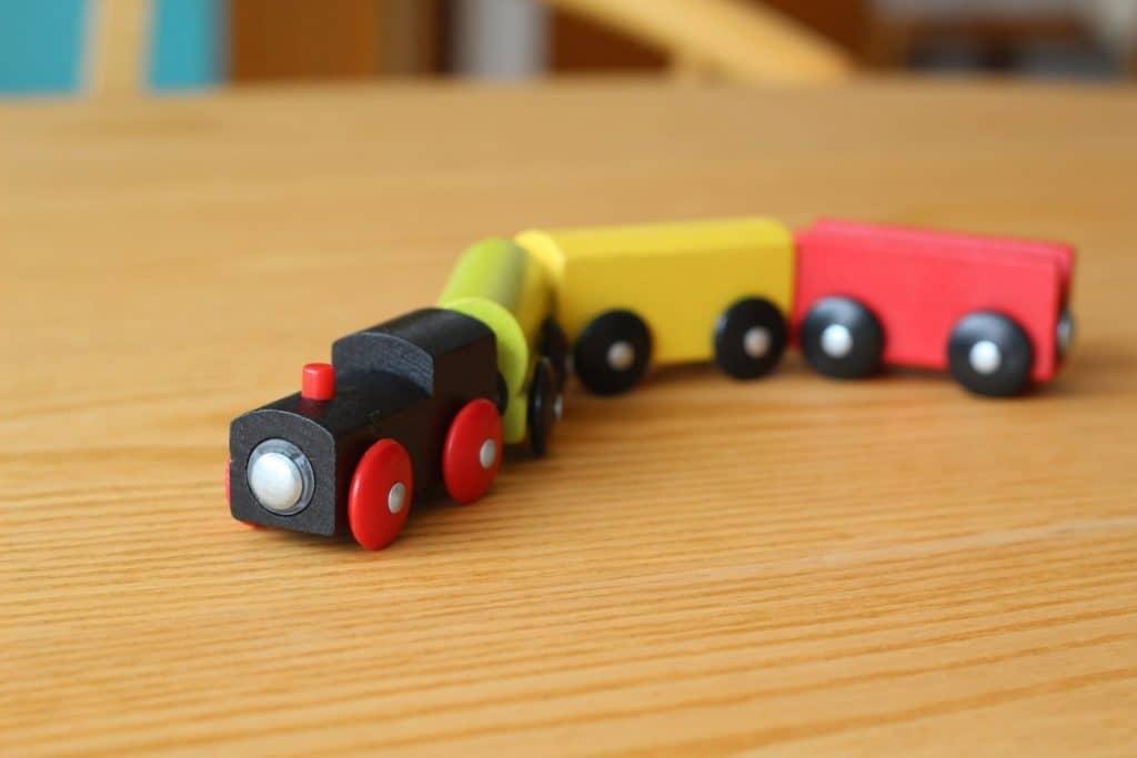 対象年齢にあった知育玩具を選ぼう