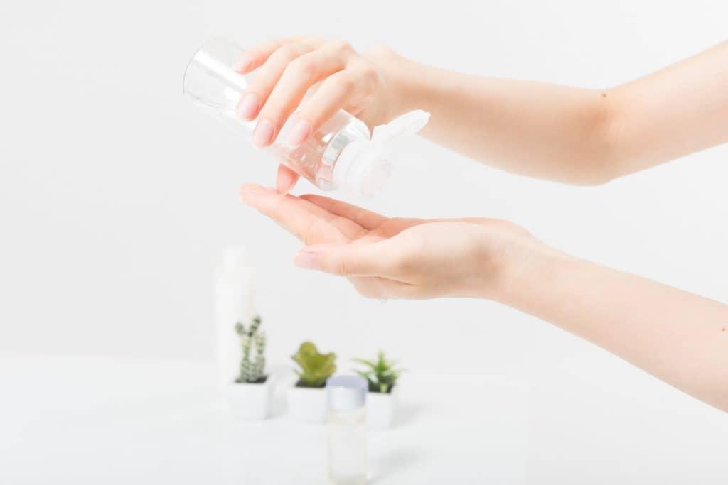 オイルや保湿剤で赤ちゃんの肌を保護する