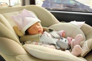 新生児用ベビーシートって? 種類は? いつから何歳まで使えるの? おすすめ5選を紹介