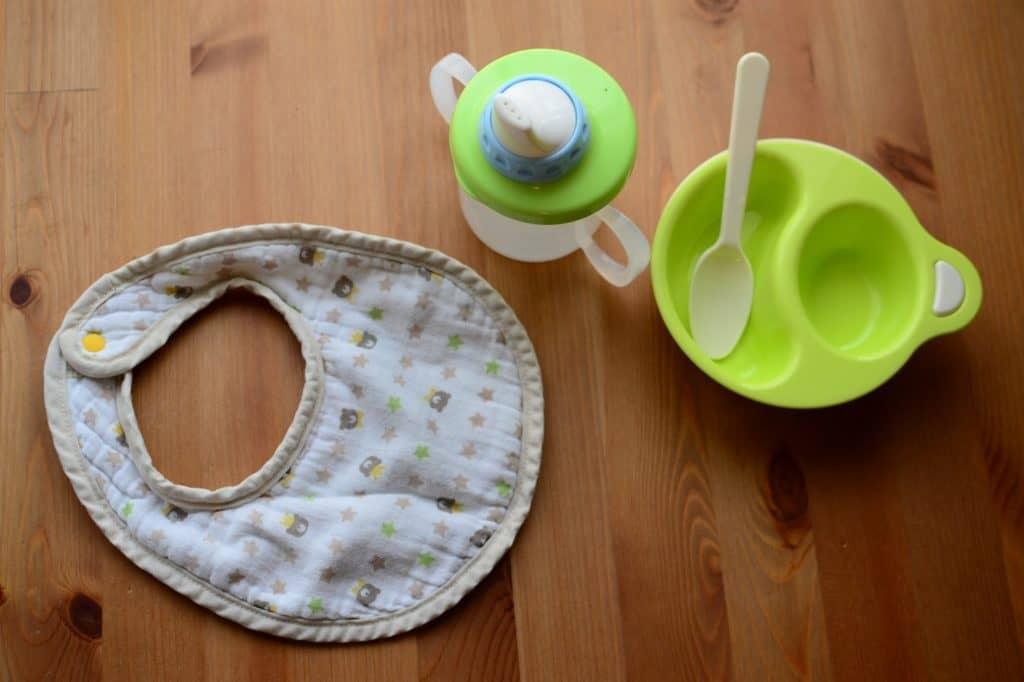 離乳食を食べない時の対策4:スプーンや食器を変えてみる