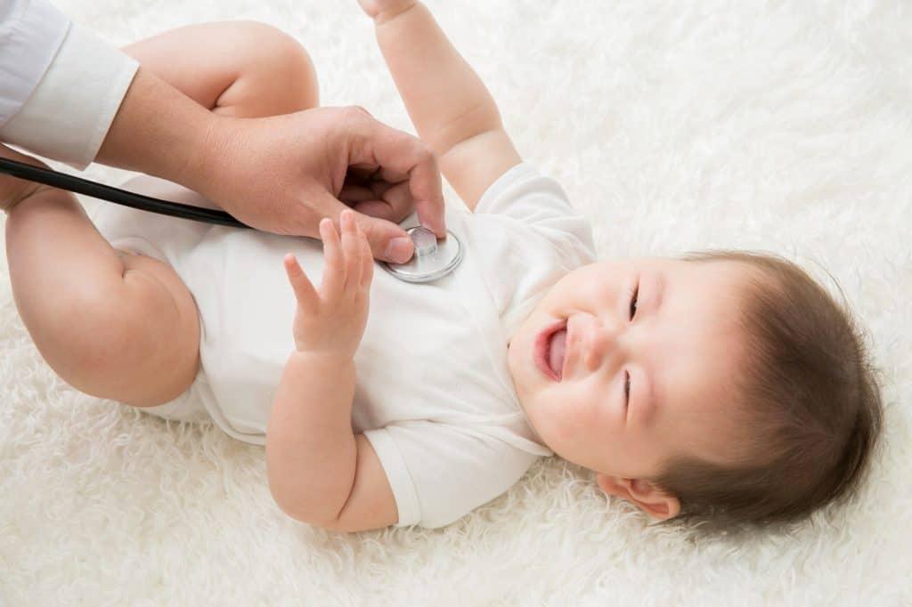 幼児医療費助成の申請は赤ちゃんが生まれてすぐに手続きしましょう