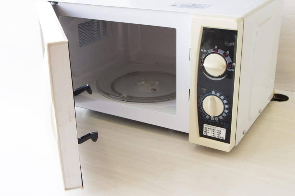 離乳食初期の調理のコツ2:電子レンジを使う