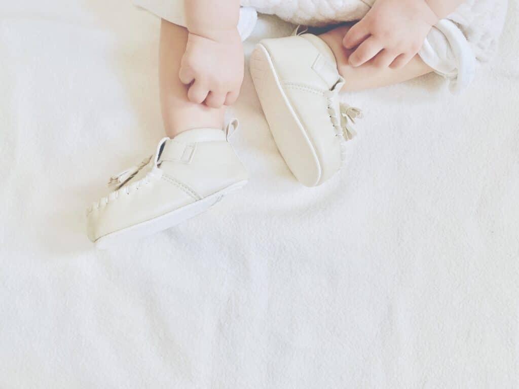 赤ちゃんの足に合った靴を準備する