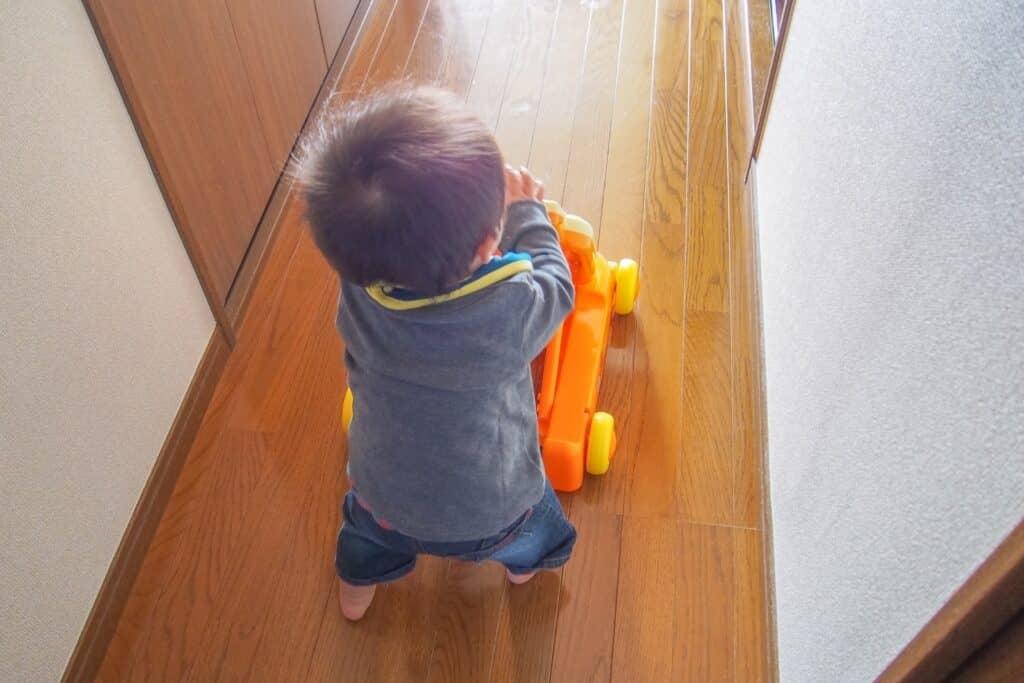 赤ちゃんの歩く練習におすすめなおもちゃ