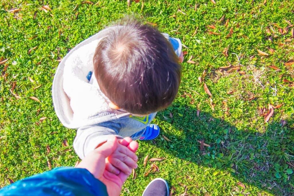 赤ちゃんに無理に歩く練習はさせる必要はない