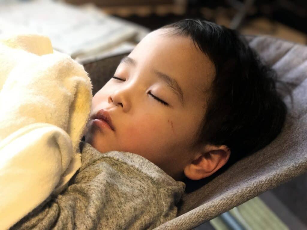 バウンサーのデメリット1:寝かしつけを目的として使うことができない