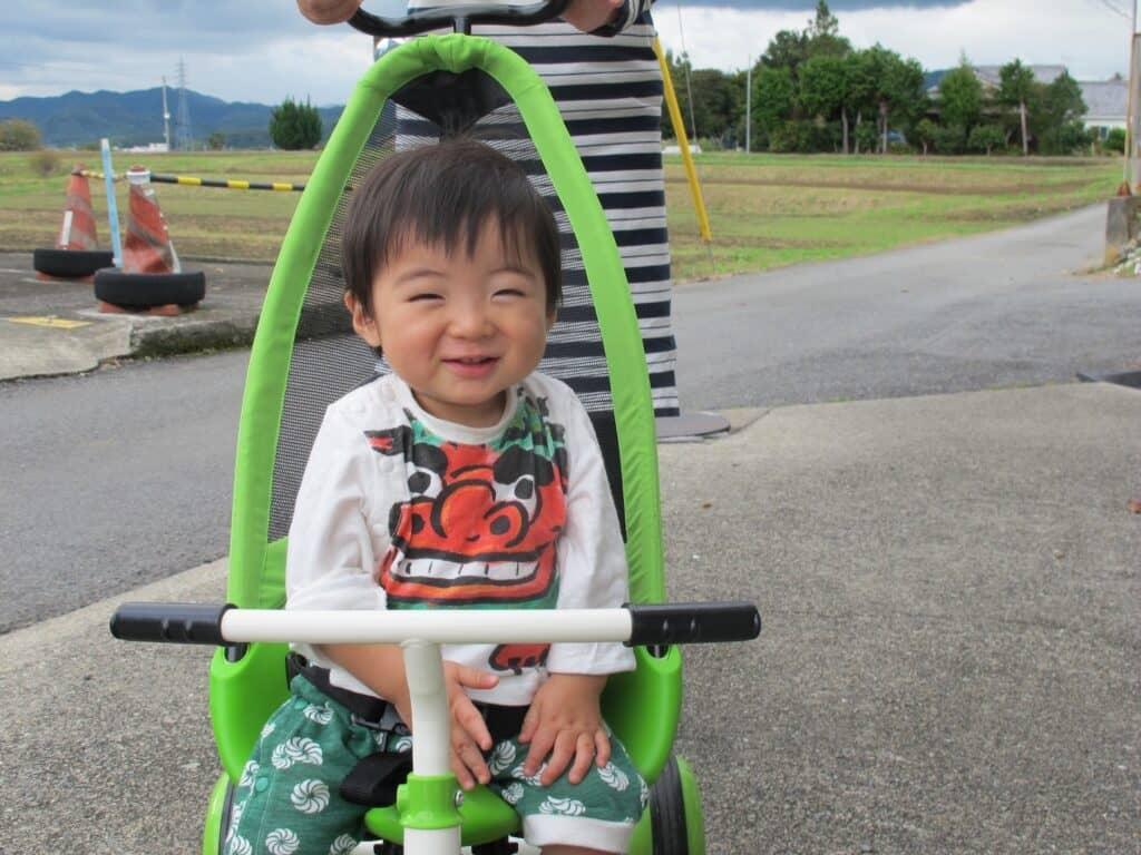 三輪車デビューはいつから? 三輪車の種類と選び方、おすすめを紹介