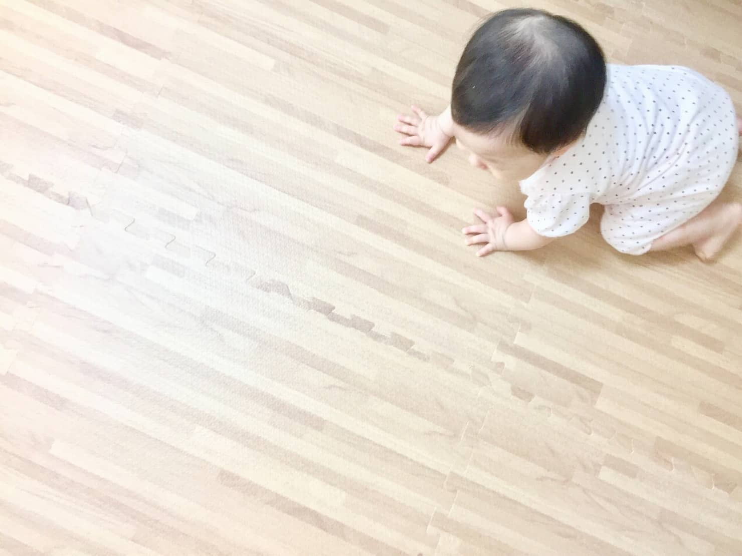 赤ちゃんにも安全なフローリング掃除法! おすすめ洗剤と掃除アイテム