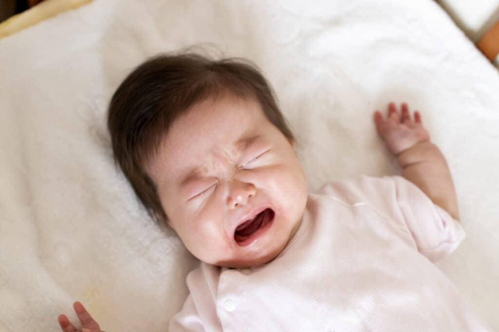 赤ちゃんの夜泣きはいつからいつまで?
