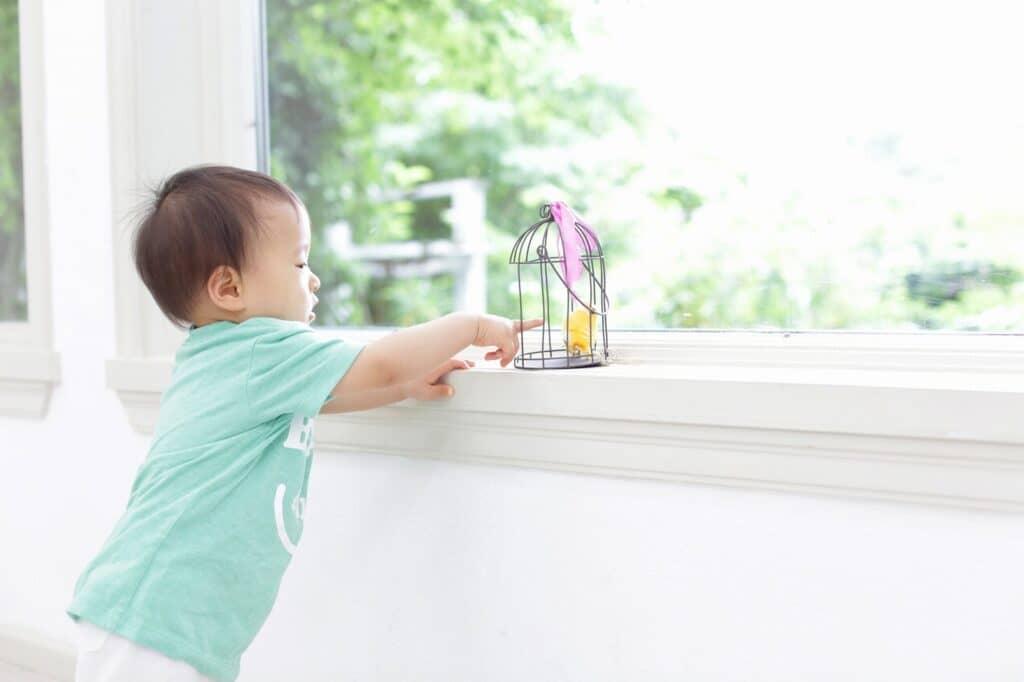赤ちゃんがつかまり立ちを始めたら・始める前の安全対策