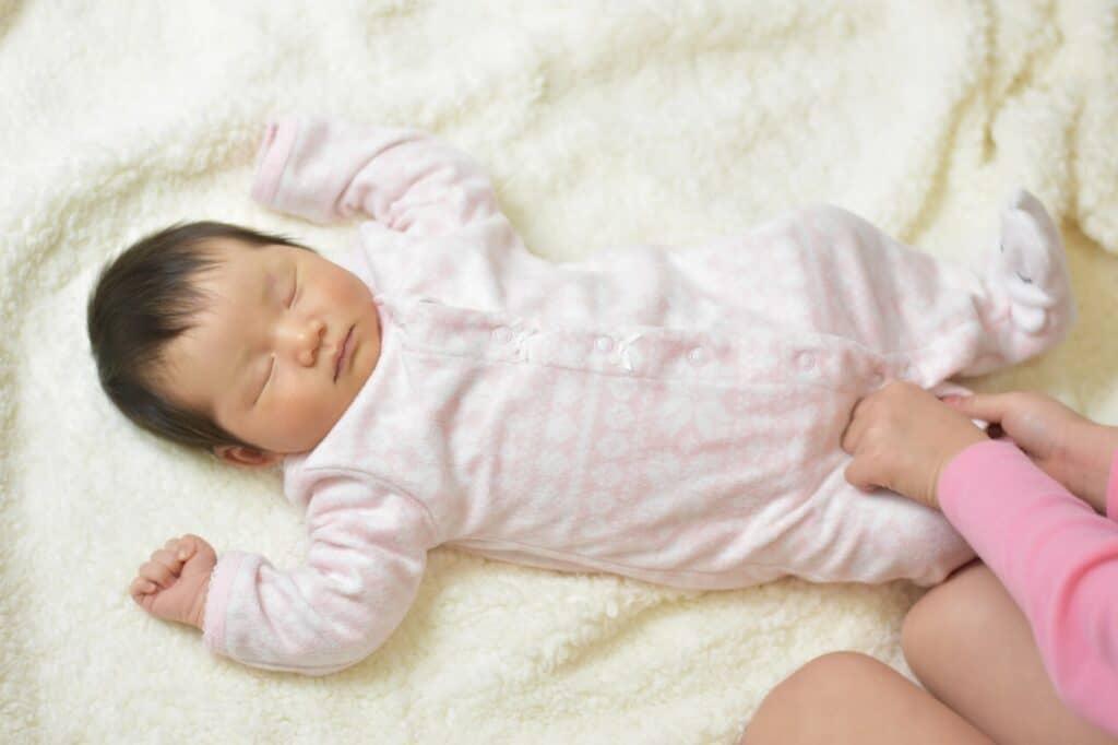 手足バタバタの対処法5:体温調整や室温調整をする