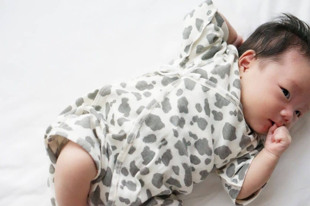 授乳のタイミングは赤ちゃんが空腹で泣きだす前がおすすめ
