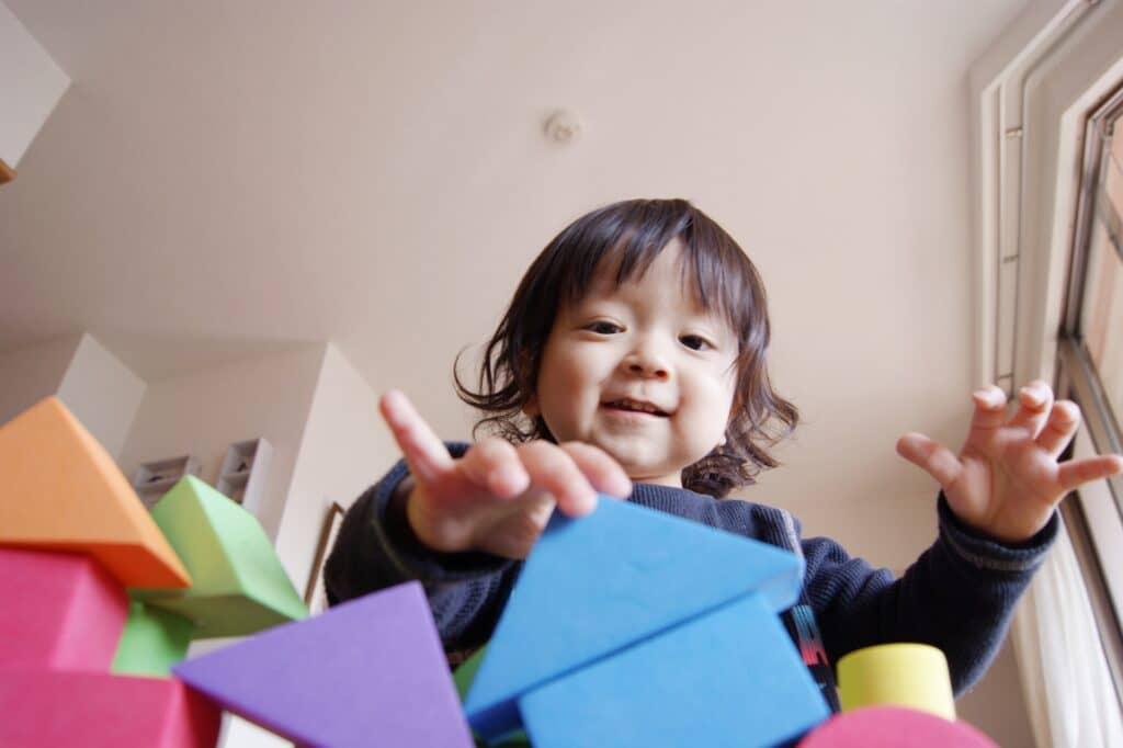 4歳児の手先の器用さ:工作や粘土遊びなどの細かい作業ができる