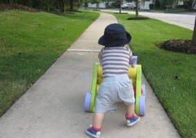 赤ちゃんに手押し車は必要? 選び方と人気のおすすめ商品紹介