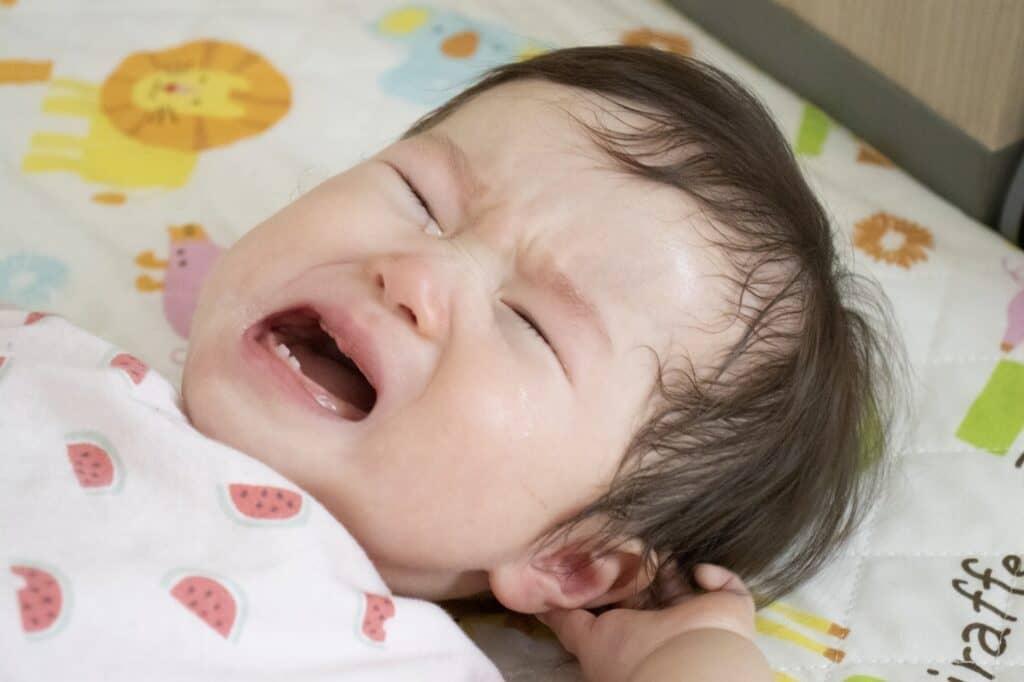 赤ちゃんの夜泣き対処法