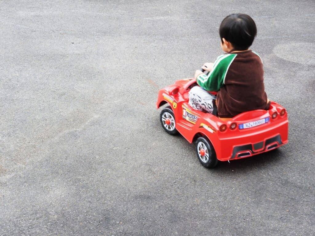 カーズのおもちゃは乗り物大好きっ子におすすめ