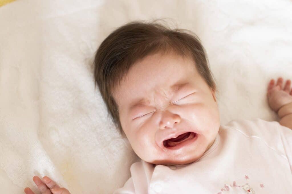 赤ちゃんが人見知りするのはいつからいつまで?