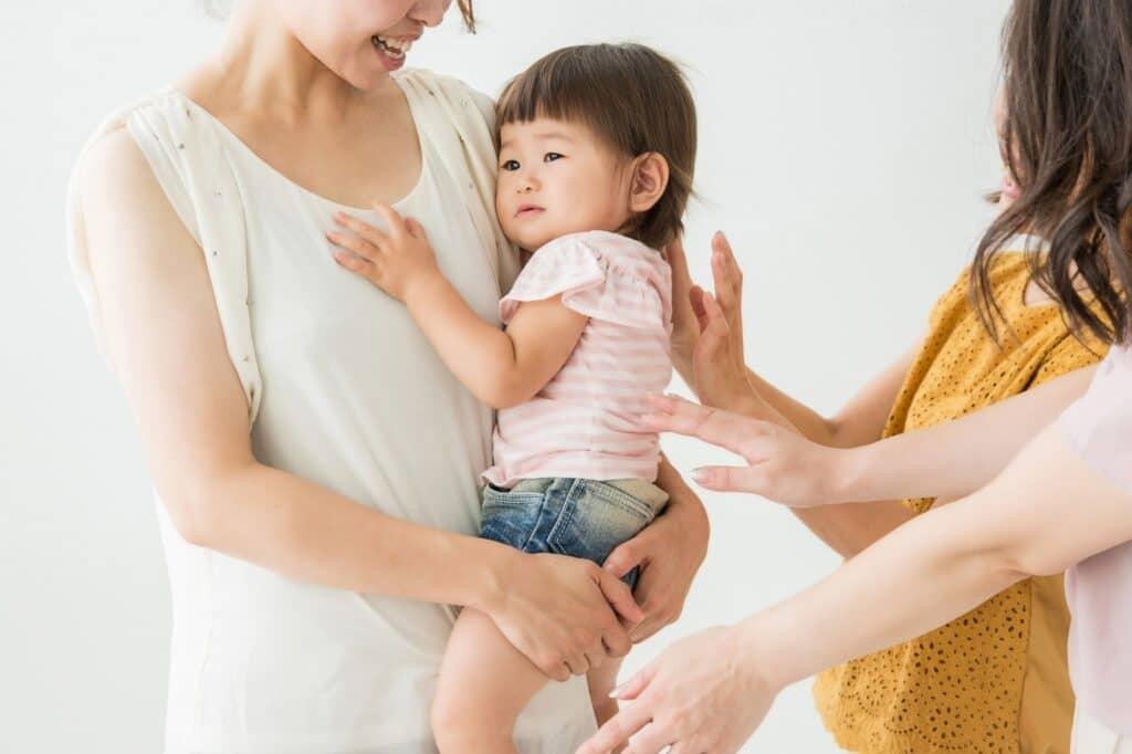 赤ちゃんが人見知りする理由