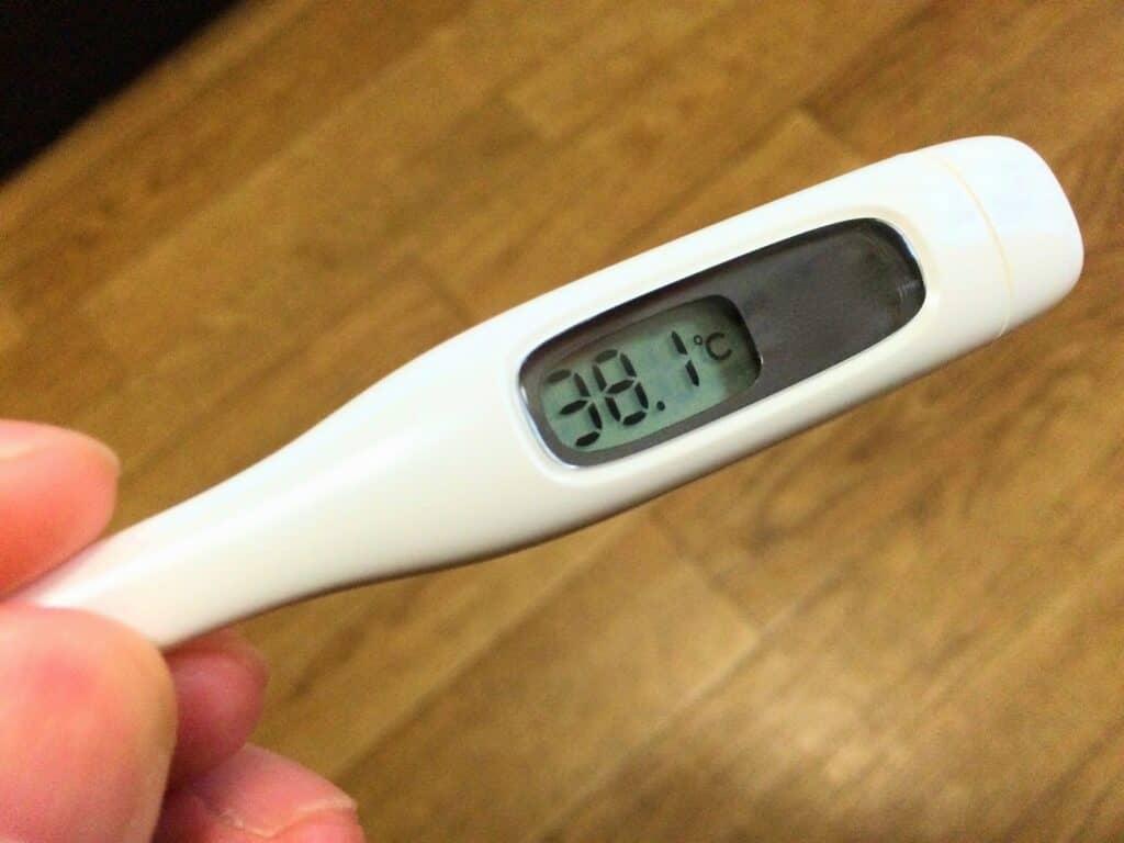 38度以上の高熱、他に症状があれば受診