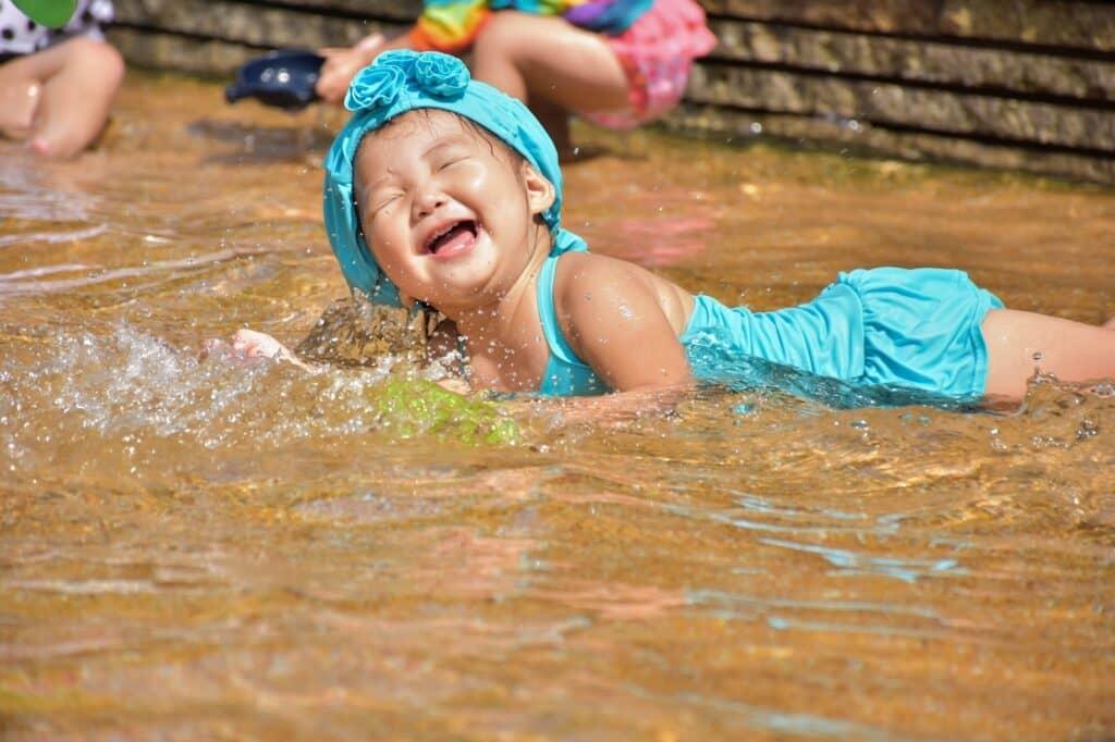 子供のおしゃれ水着は好みや価格から選べる