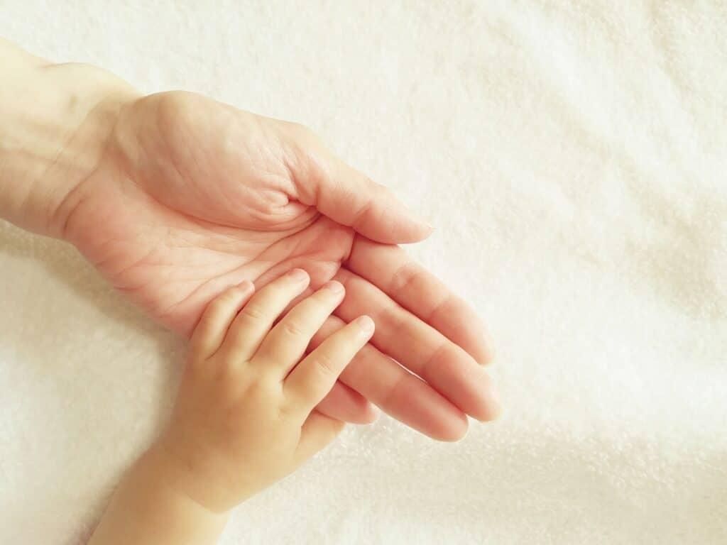 赤ちゃんに手遊び歌を聞かせる意味とは