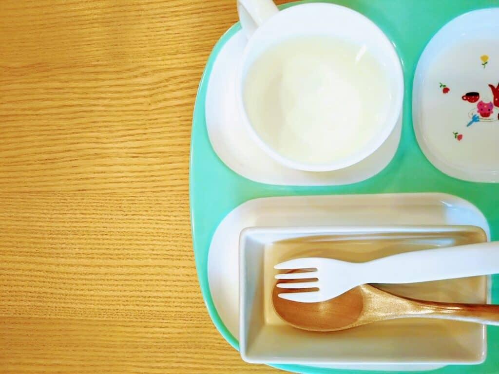 離乳食スプーンの素材の違いを知ろう