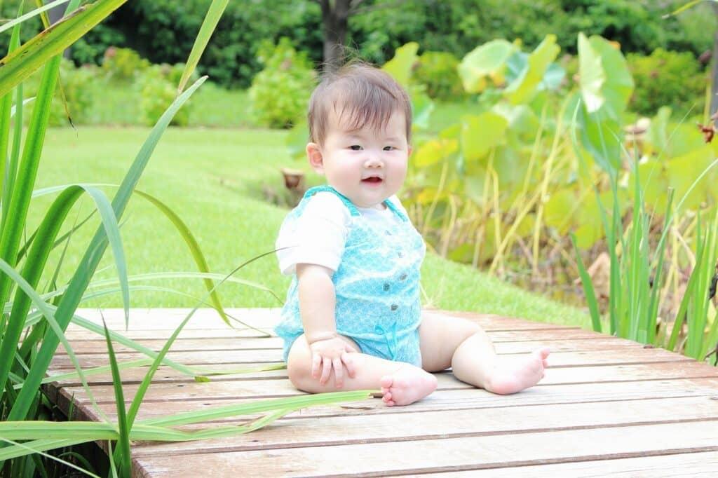 春夏生まれの赤ちゃんにおすすめなコンビ肌着の生地