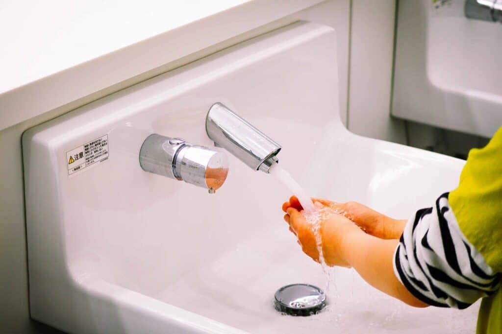 プール熱(咽頭結膜熱)の予防と治療