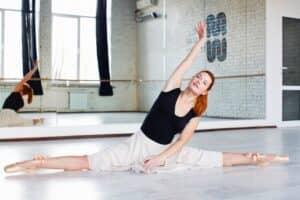 産後の運動不足を解消しよう!赤ちゃんを抱っこして踊るベビーダンス