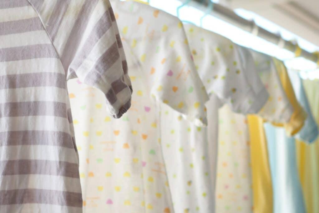 赤ちゃんの顔や肌に触れるものはこまめに洗濯
