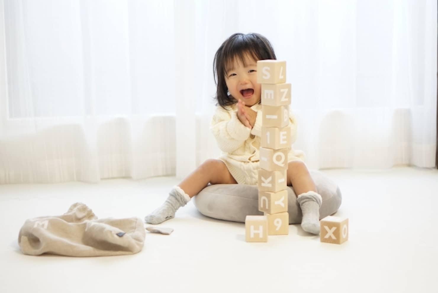 くもんの知育玩具はとっても優秀!年齢別のおすすめ紹介