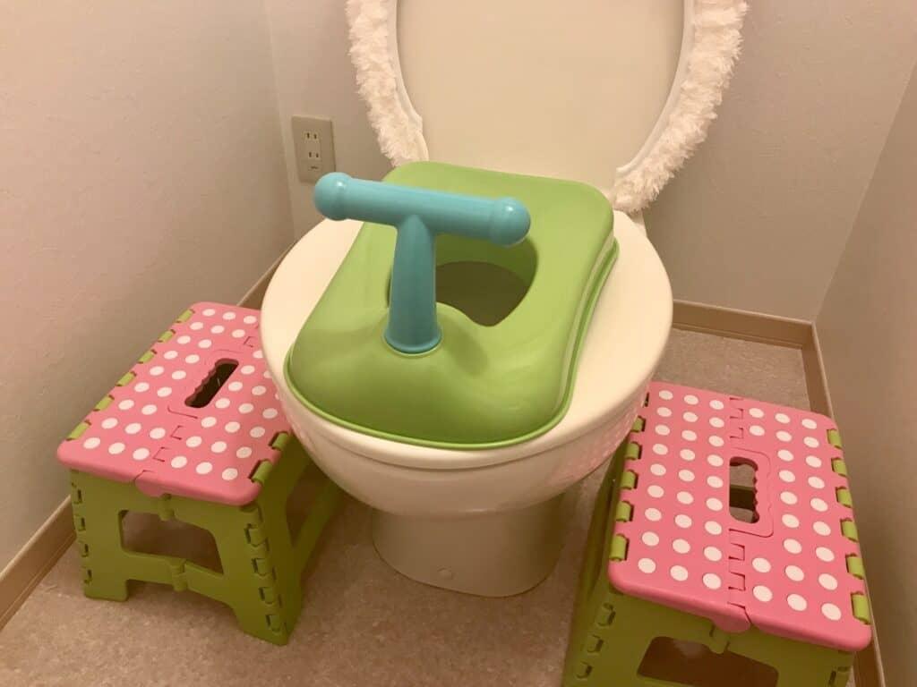 おまるでトイレトレーニング。補助便座と迷った時におすすめの商品とは