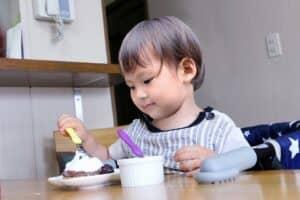 赤ちゃんが使いやすい子供用スプーン・フォークを選ぼう! 持ち方やおすすめ10選を紹介