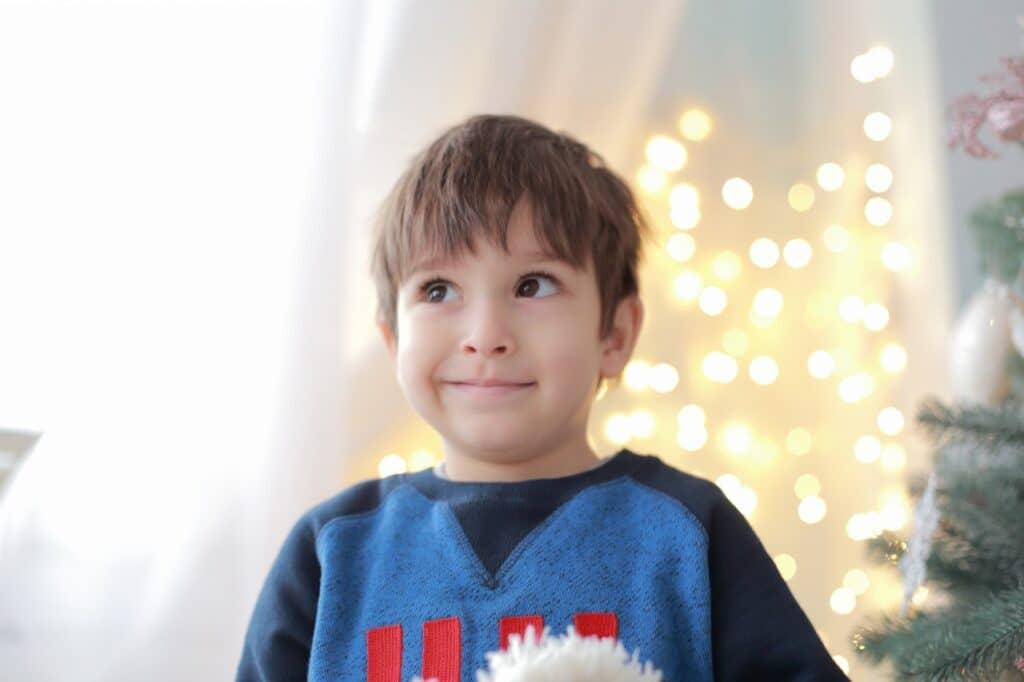 3歳の男の子が喜ぶものは? クリスマスプレゼントの選び方