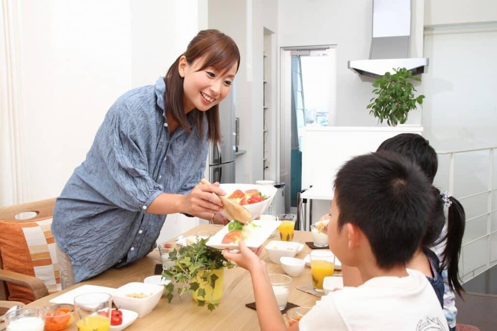 家庭での食事の時間を意識しよう