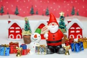 クリスマスのルーツって? 何のお祝いなの? なぜチキンやプレゼントを用意するの?