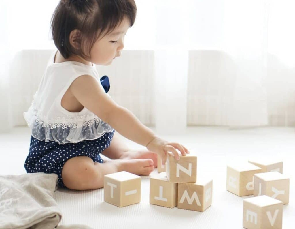 """3歳の女の子のおもちゃは""""本物志向""""!赤ちゃんから""""子供""""へ進化する"""