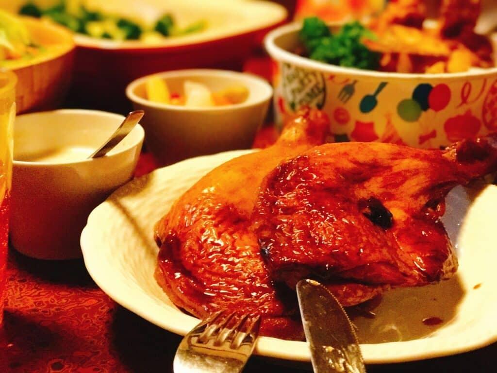 なぜクリスマスにチキンを食べるの?