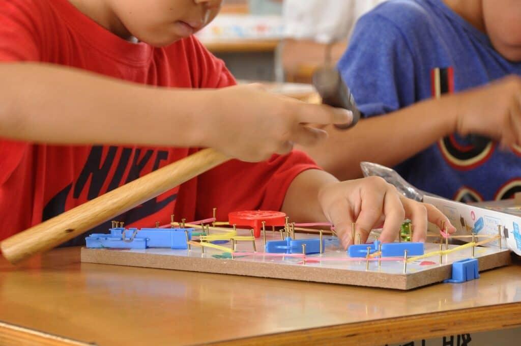 6歳の男の子に人気のおもちゃ【工作系】