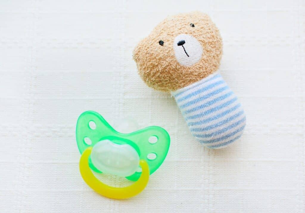 赤ちゃんが舐めたり口に入れても安全か