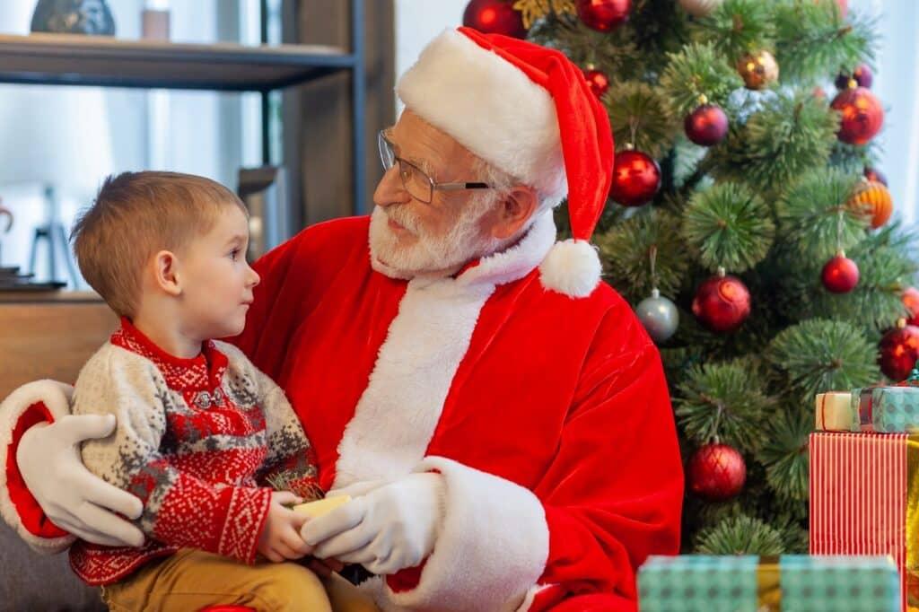 5歳の男の子が喜ぶものは? クリスマスプレゼントの選び方