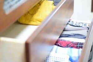 子供服の収納アイデア リビング収納や無印・IKEA・100均など人気の収納グッズも紹介!