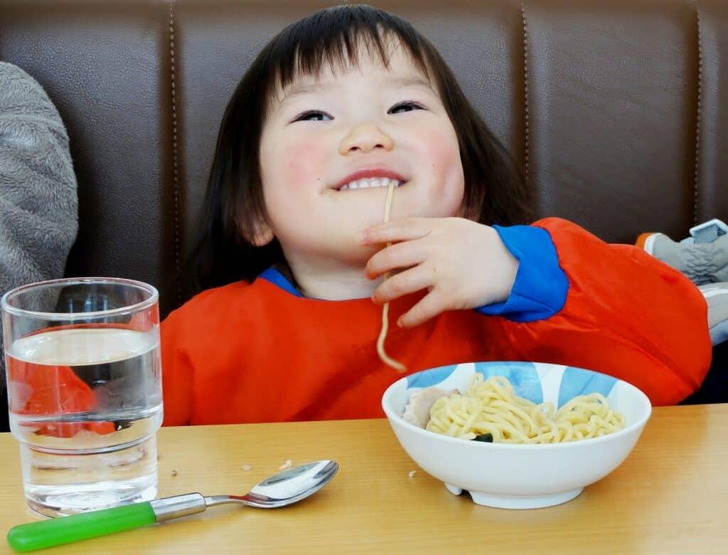 まとめ:赤ちゃんの成長に合わせて使いやすいお食事エプロンを選ぼう