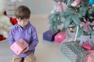 5歳の男の子におすすめのクリスマスプレゼント12選【2019年最新版】