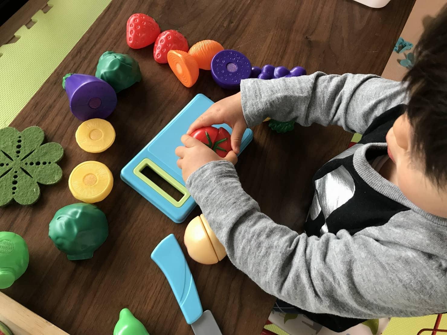 ごっこ遊びはいつから? 1歳~5歳のごっこ遊びの種類やごっこ遊びが広がるおもちゃ13選