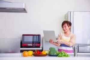 忙しい、共働きのママこそ、ネットショッピング! 日用品の購入は安くて便利な通販がおすすめ