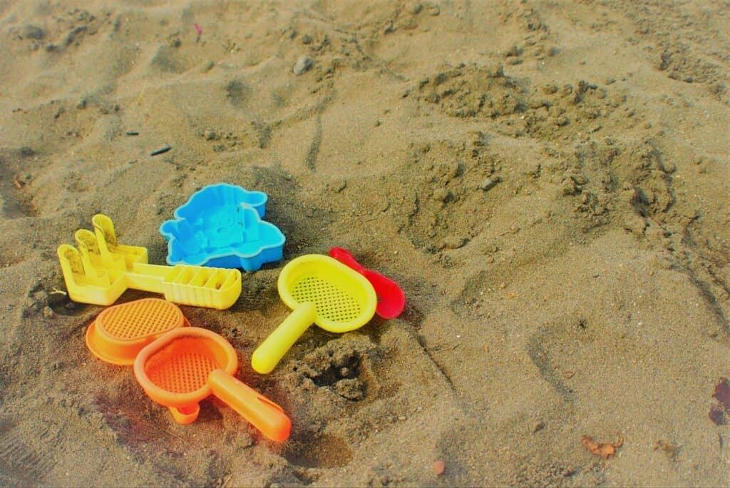 子供に砂遊びはさせるべき?